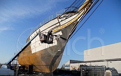 Hajók felületének előkészítése